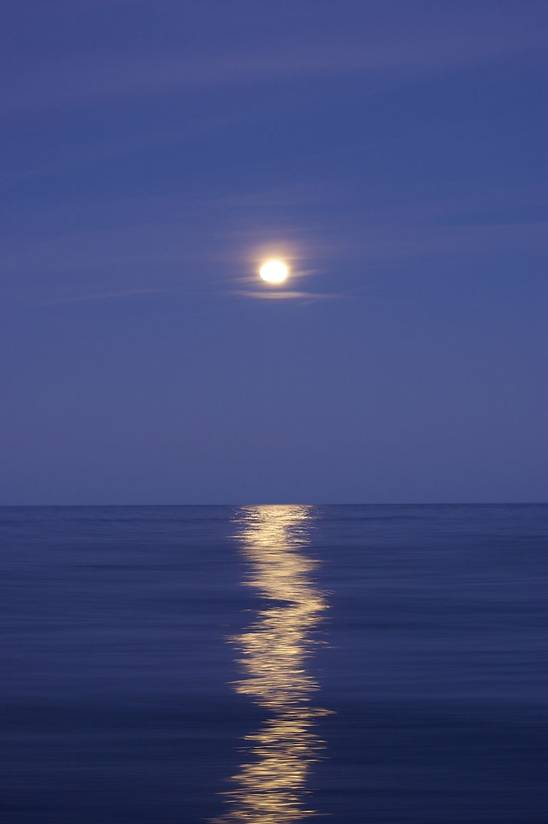 Great lakes full moon